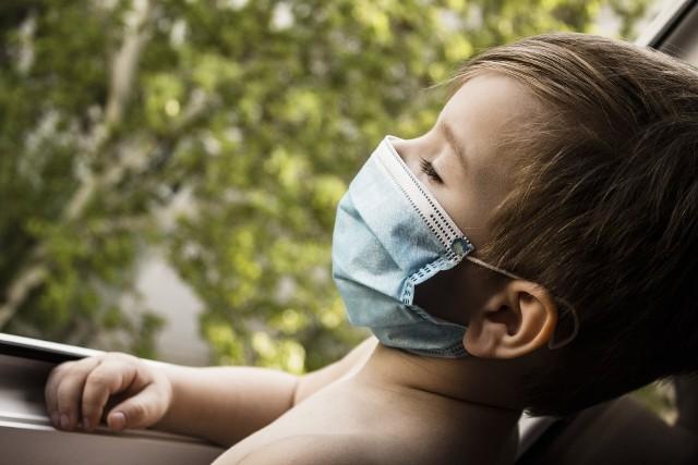 Tak naprawdę niewiele wiadomo o koronawirusie u dzieci. Dlatego, zdaniem specjalistów, lepiej ćwiczyć z dziećmi reżim sanitarny