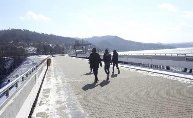 Wizytówką gminy Solina jest najwyższa w Polsce zapora wodna i największy sztuczny zbiornik, jakim jest Jezioro Solińskie