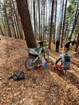 Są mandaty dla motocyklistów rozjeżdżających las w Straszydlu koło Rzeszowa. Czytelnik: śmiesznie niskie