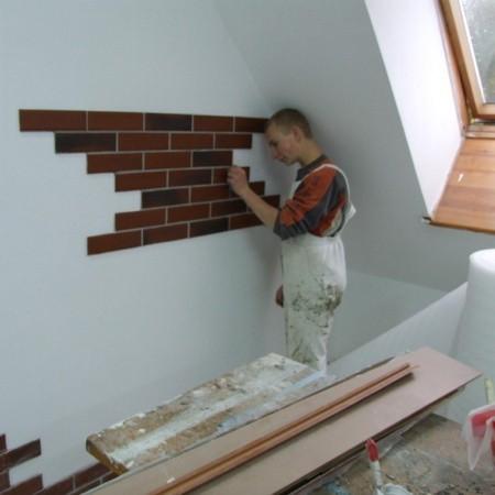 Młodzież z OHP od początku do końca uczestniczyła w pracach remontowych.