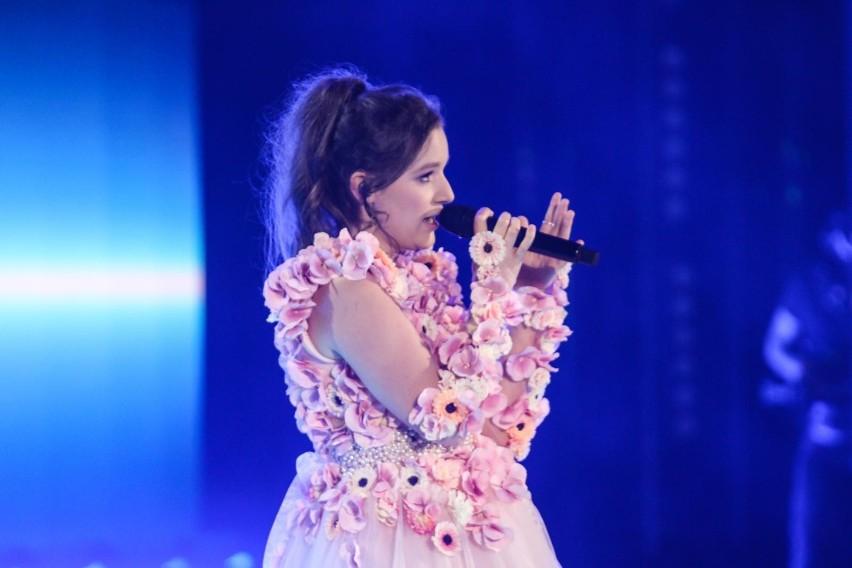 Popularność młodej wokalistki rośnie w zawrotnym tempie. Jej...
