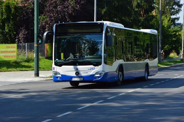 Mieszkańcy osiedla Bogucice w Wieliczce upominają się o autobus MPK od 15 lat. Społeczne apele zostały wreszcie wysłuchane. Linia 284 ma zostać uruchomiona w ciągu miesiąca, ale jej kursy będą rzadsze niż oczekiwano