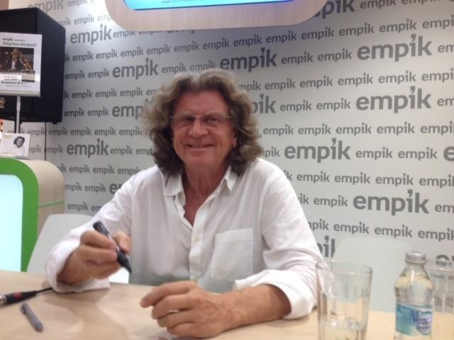 Zbigniew Wodecki w Empiku w katowickim salonie Empik w SCC
