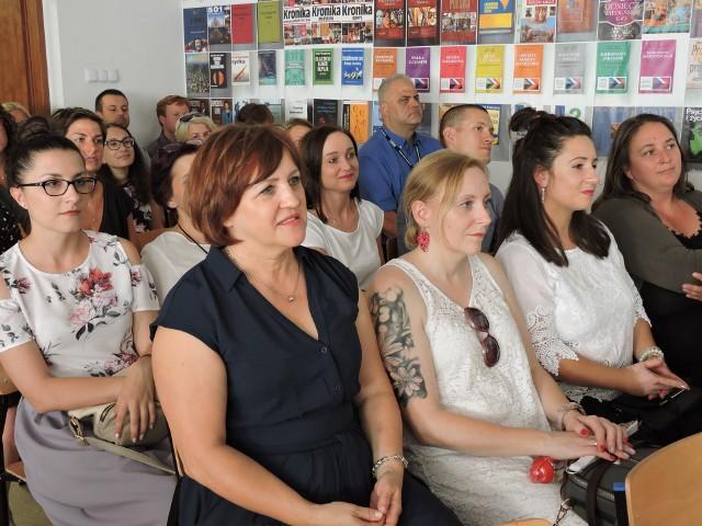 SIGiE Ostrołęka. Absolwenci studiów podyplomowych odebrali świadectwa, 28.08.2019