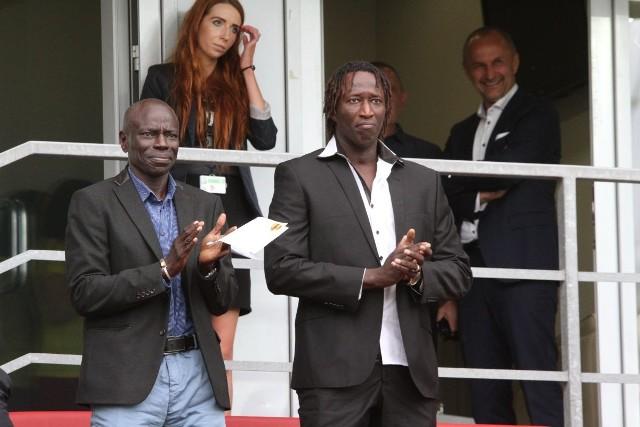 Ibrahima Iyane Thiama (z prawej) są na meczu Korony z Piastem Gliwice.
