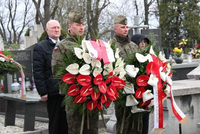 Uroczystości rocznicowe przy grobie Grzegorza Dolniaka w Będzinie