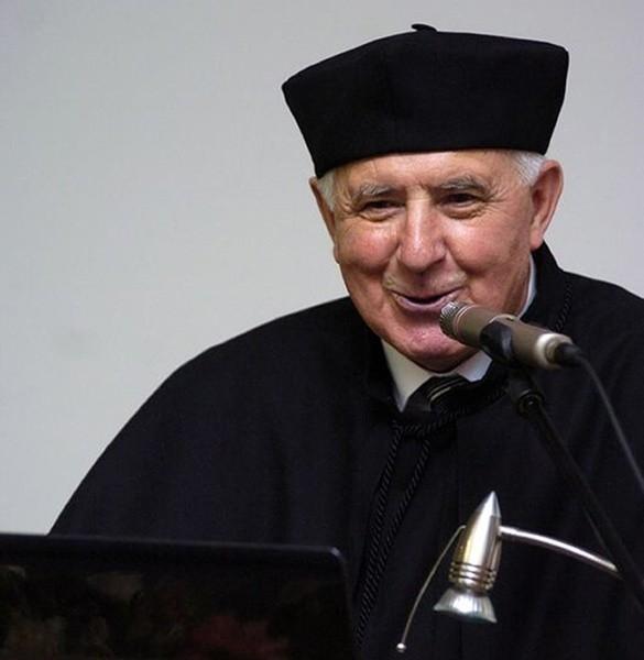 Profesor Kaczorek od ponad 40 lat związany jest z opolskim środowiskiem akademickim.
