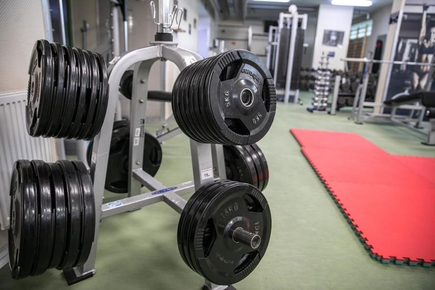 Z basenów, siłowni oraz klubów i centrów fitness mogą...