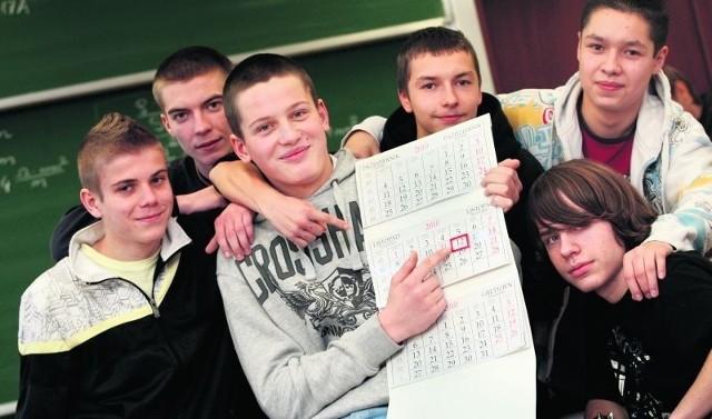 Większość uczniów Lotniczych Zakładów Naukowych cieszy się z wolnego 12 listopada