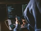 Jak nie dać się okraść w Internecie – niebezpieczne SMS-y od oszustów