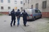 Pilska policja zatrzymała trzech mężczyzn podejrzanych o produkcję i rozprowadzanie narkotyków. Mieli 3,5 kg środków odurzających