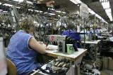 Rynek pracy w Łódzkiem. Pracują bez umowy w handlu, przetwórstwie przemysłowym i na budowach