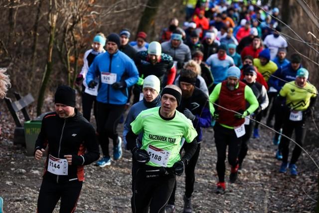 Setki ludzi biegały w Lasku Wolskim
