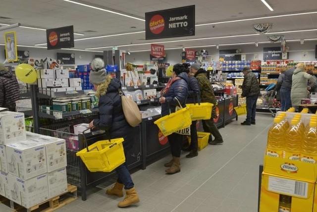 Netto może przejąć 301 sklepów, m.in. 19 na Kujawach i Pomorzu, i dwa centra dystrybucyjne Tesco.