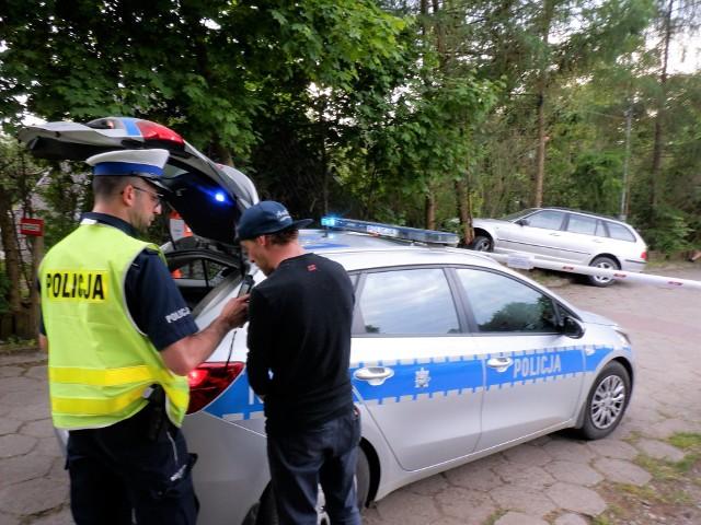 Samochód na drzewie, kierowca nietrzeźwy. W ten weekend na drogach regionu zatrzymano 102 takich kierujących. Najgorsze jest jednak to, że zginęły 3 osoby
