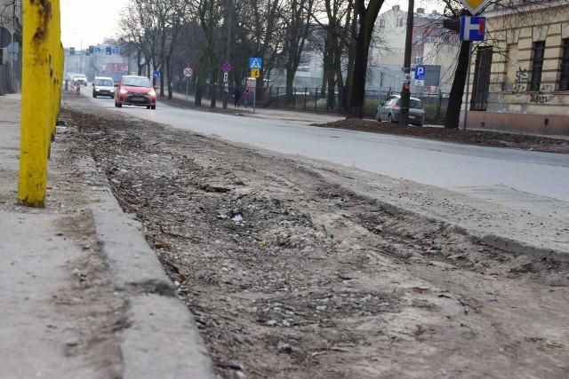 Kierowcy skarżą się na stan nawierzchni ulicy Najświętszej Marii Panny w Inowrocławiu