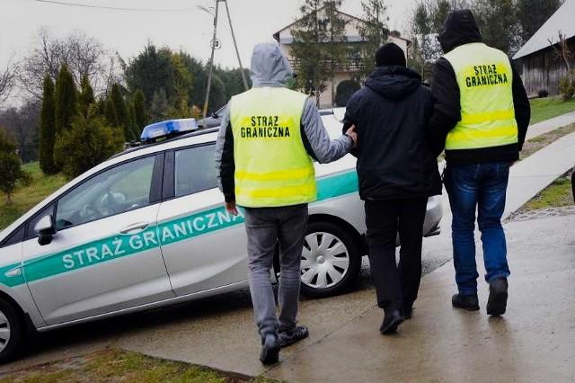 Rozbita przez Straż Graniczną grupa przestępcza handlowała fałszywymi zaproszeniami dla Ukraińców.