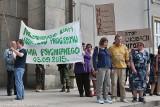 Pacjenci i lekarze wspólnie protestowali pod urzędem wojewódzkim