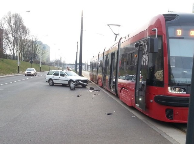 Wypadek na al. Wyszyńskiego - na szczęście nikt nie ucierpiał