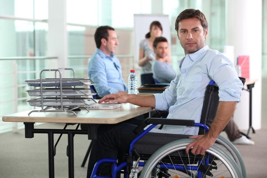 Osoby niepełnosprawne napotykają często bariery w procesie...