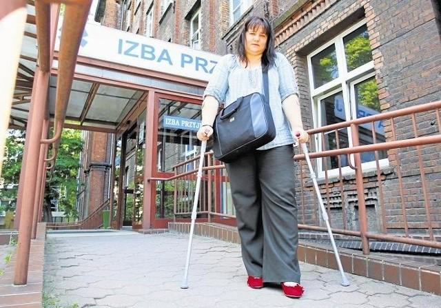 Jak długie są kolejki do specjalistów pokazuje historia Laury Kubas - 4 lipcu zeszłego roku otrzymała termin na rekonstrukcję kolana na 9 lipca… ale 2020 roku. Poznanianka do tej pory nie przeszła operacji. Podobnych sytuacji jest więcej.