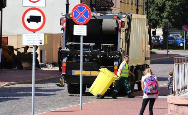 Sępólno będzie wyjątkiem, bo w innych miastach w regionie odbierane są śmieci jedynie z gospodarstwa indywidualnych