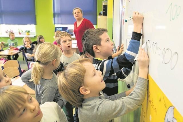 Samorządowcy obawiają się, że pierwsze klasy będą puste, bo 6-latki zostaną w przedszkolach.