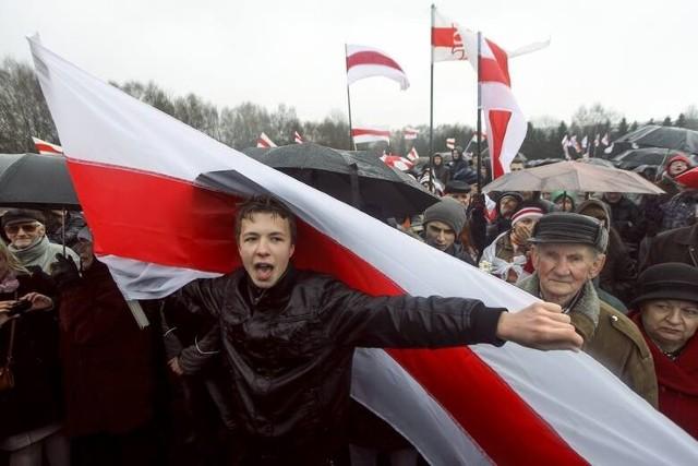 23 maja białoruskie służby specjalne wymusiły awaryjne lądowanie samolotu, na pokładzie którego był Raman Pratasiewicz.