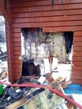 Ubiad. Strażacy przez ponad dwie godziny gasili pożar leśniczówki [ZDJĘCIA]