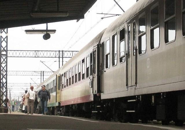 Dwaj mężczyźni próbowali ukraść elementy wyposażenia kolejowego w Jabłonowie Pomorskim.