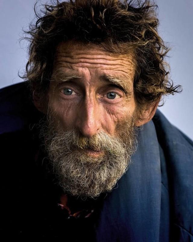 Zbliża się zima. Sprawdź, jak możesz pomóc osobom ubogim i bezdomnym