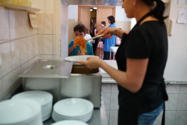 Wnioski o dofinansowanie obiadów w szkołach i przedszkolach można już składać