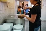Obiady w szkołach i przedszkolach - dofinansowanie. Jak złożyć wniosek? Zasady od stycznia 2018 r. [dokumenty, kryteria dochodowe]