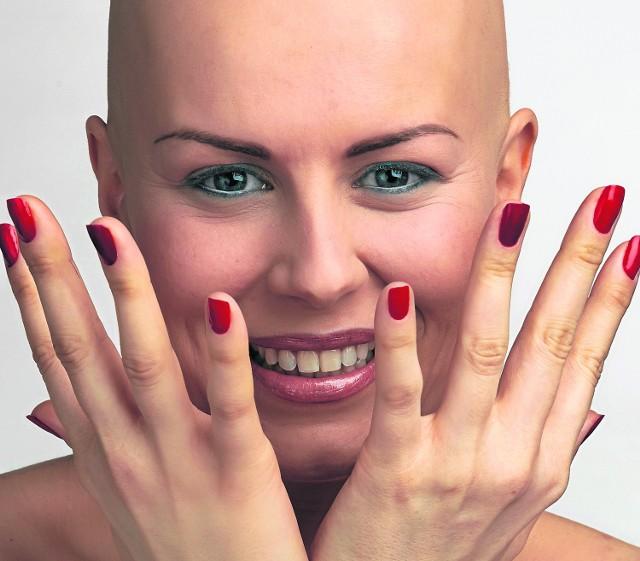 Sylwia wystąpiła w kampanii gabinetu Permanentne Piękno Boroń, który specjalizuje się w wykonywaniu makijażu paramedycznego, np. osobom po chemioterapii