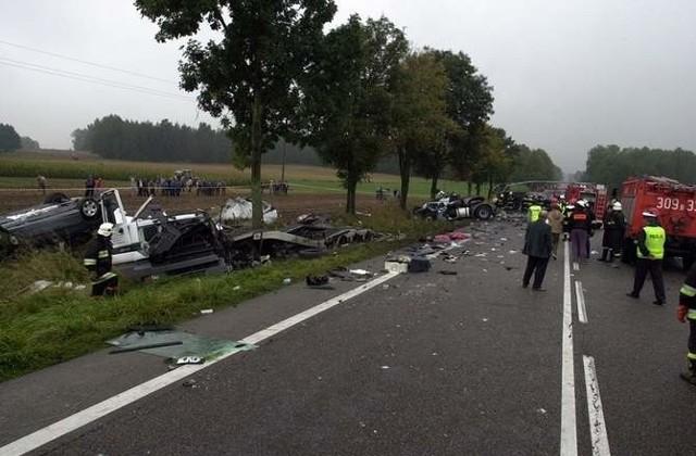 W katastrofie zginęło 11 białostockich maturzystów z I LO i Zespołu Szkół Elektrycznych, a także trzej kierowcy - autokaru i lawety.