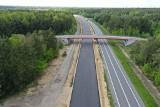 Budowa drogi ekspresowej S1 od Podwarpia do Pyrzowic z perspektywy drona. Zobaczcie najnowsze wiosenne zdjęcia