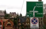 Burdele zostają. Mieszkańcy nie chcą zmiany nazwy przysiółka. 40 najdziwniejszych nazw miejscowości