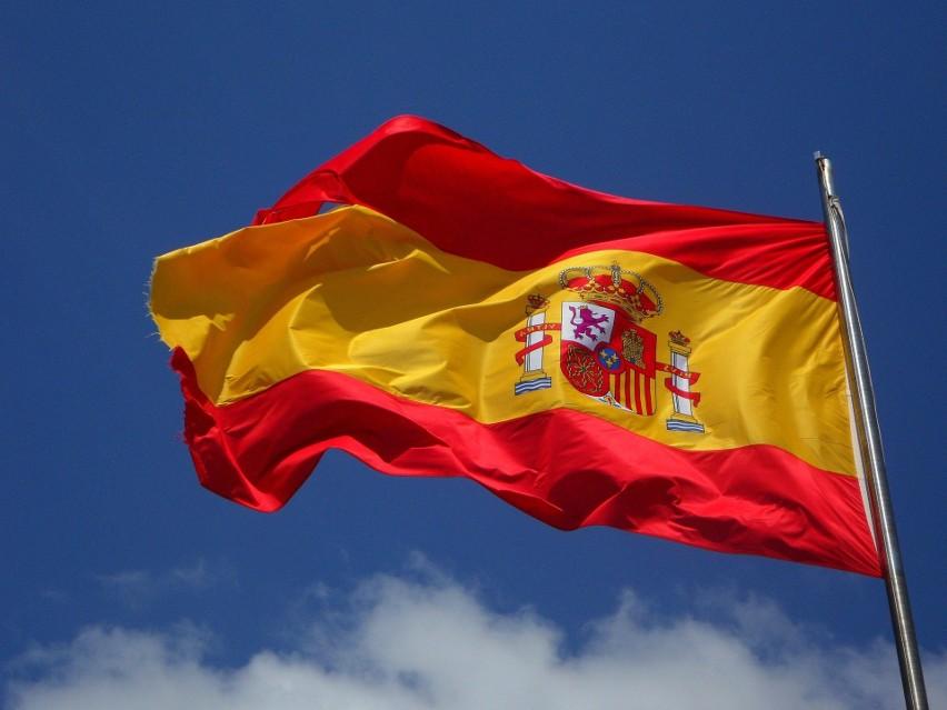 3. Hiszpania. 69,83 procent obywateli otrzymało chociaż...