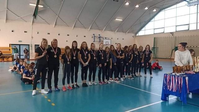 Młodziczki KPR z brązowymi medalami w turnieju w Łukowie