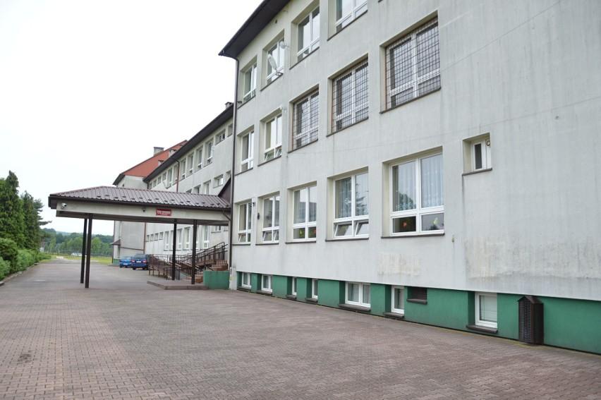 Szkoła Podstawowa im. św. Jana Kantego w Łapanowie