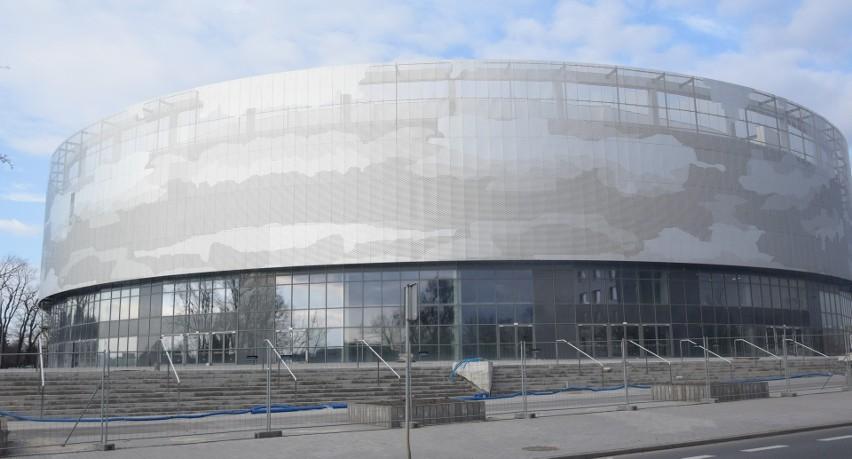 30 czerwca minął termin oddania do użytku nowej hali...