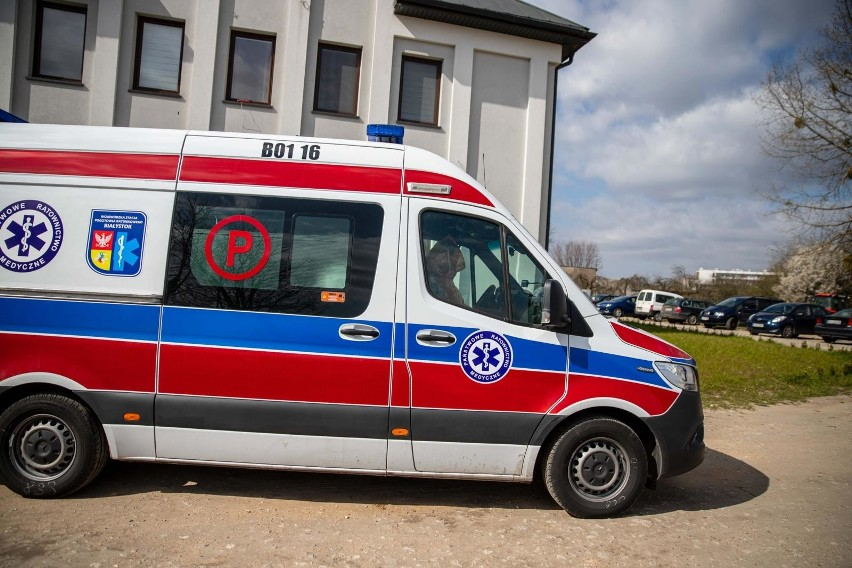 Ratownicy medyczni nie chcą dłużej czekać na realizację postulatów i odwieszają protest.