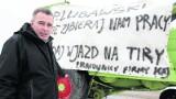 Kombajnem zablokowali drogę. Przedsiębiorcy z Kielc żądają poszerzenia drogi