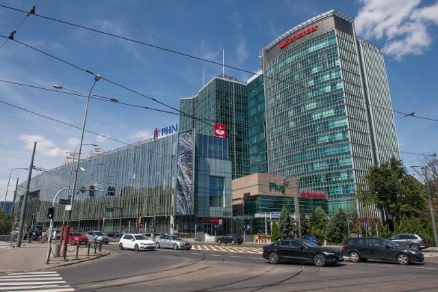 Ministerstwo Finansów opublikowało listę firm i instytucji o największych przychodach w Polsce. Jest to zestawienie za 2019 rok, ale dane zostały zaktualizowane pod koniec sierpnia 2020 roku. Na liście znalazło się sporo firm z Poznania i Wielkopolski. Sprawdź, które z nich zarabiają najwięcej --->