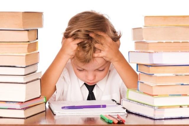 Dzieci z zerówki w Szkole Podstawowej nr 8 w Stargardzie muszą wstawać już o godz. 5, żeby zdążyć na lekcje.