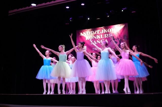 W poprzedniej edycji przeglądu udział wzięło około czterystu młodych tancerzy z całego regionu radomskiego.