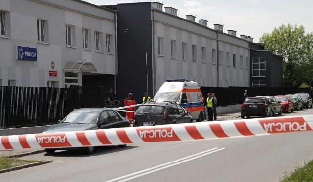 Sprawę strzelaniny pod Komisariatem I Policji w Opolu od czerwca ubiegłego roku prowadzi Prokuratura Okręgowa w Jeleniej Górze.
