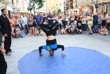 Wakacyjne atrakcje wróciły na ulicę Piotrkowską. Są cyrkowcy, koncerty, stand-upy i wiele innych