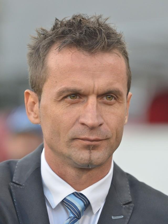 Rafał Pawlak będzie prowadził Widzew do końca obecnego sezonu, czytamy na oficjalnej stronie klubu z al. Piłsudskiego