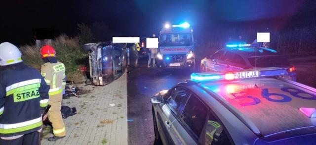 Śmiertelny wypadek w powiecie golubsko-dobrzyńskim. 72-letnia kobieta została potrącona przez samochód a następnie przygnieciona przez samochód. Mimo reanimacji zginęła na miejscu.